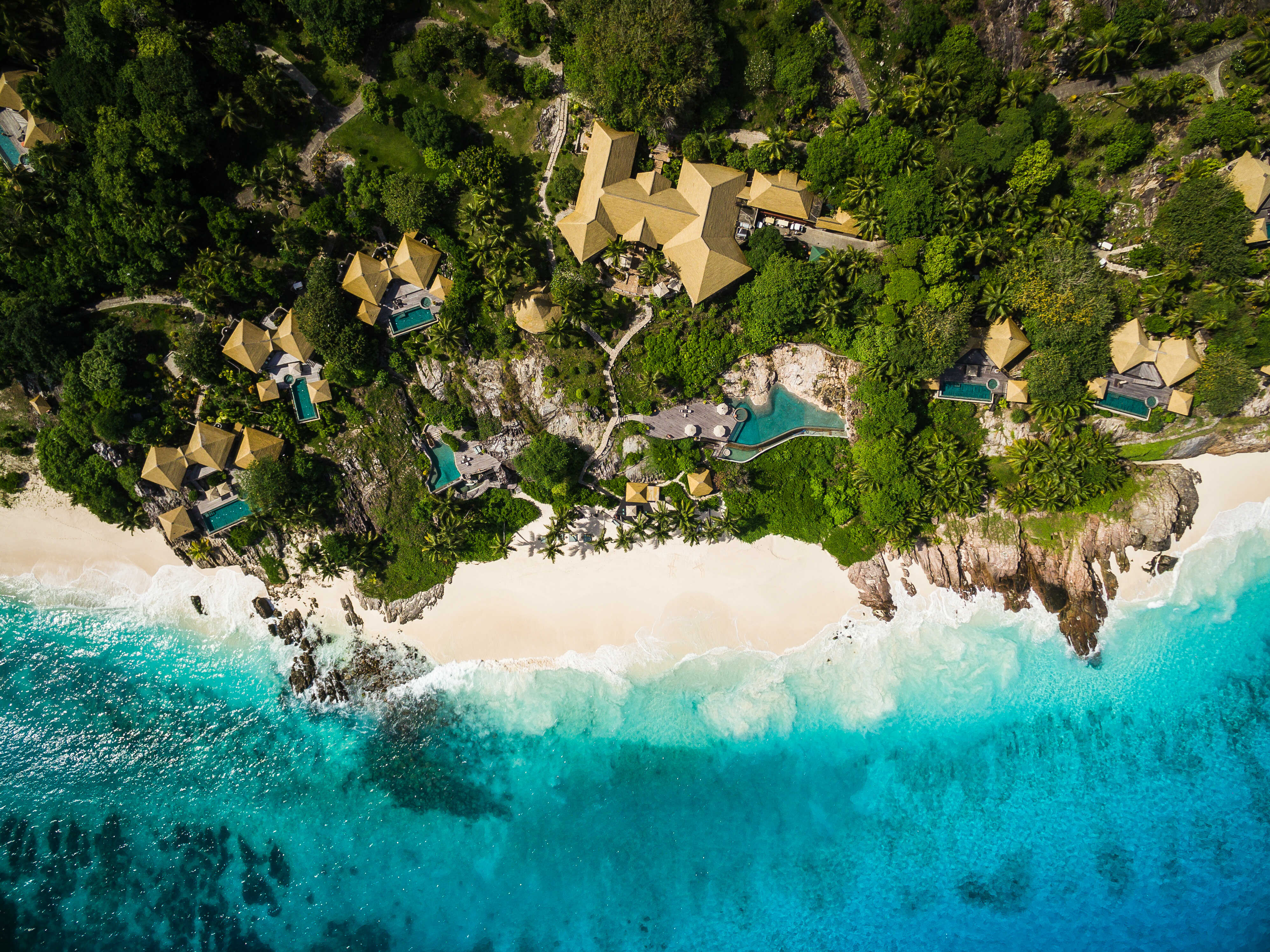 ©-fregate-island-private_private-pool-villa_aerial_1_optimized