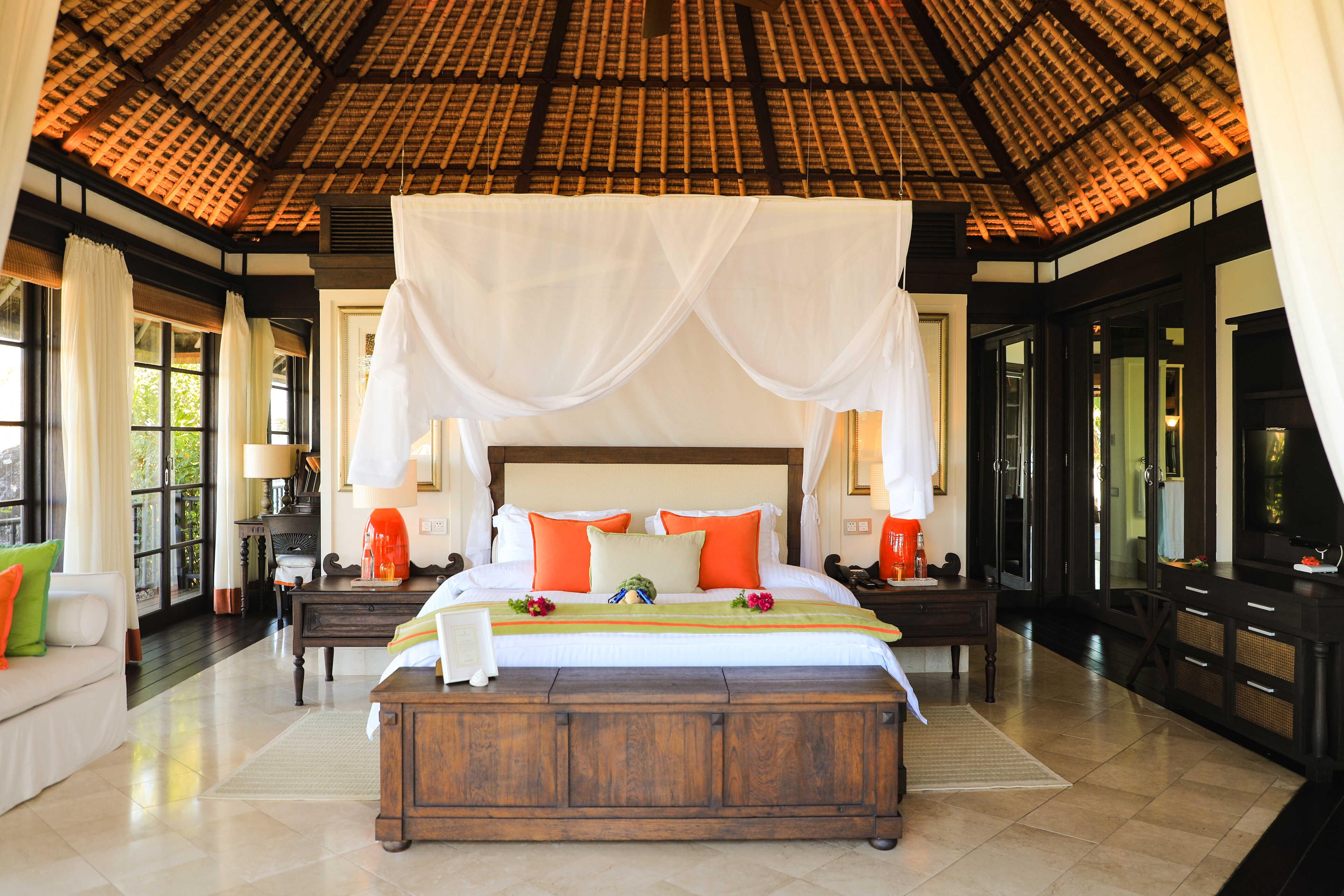 ©-fregate-island-private_private-pool-villa_bedroom_1_optimized